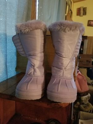 Size 13 girls purple boots worn 1time for Sale in Kutztown, PA