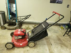 2 lawn mower and 1 edge eater and 1 blower for Sale in Moreno Valley, CA