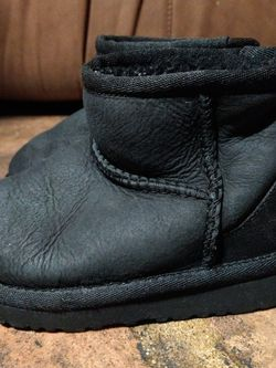 Baby UGGS Size 7 for Sale in Carson,  CA