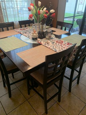 Six chairs Dinning table for Sale in Kissimmee, FL