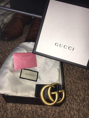 Men's Gucci belt for Sale in Naperville, IL