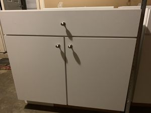 4 Kitchen Cabinets for Sale in Sudley Springs, VA