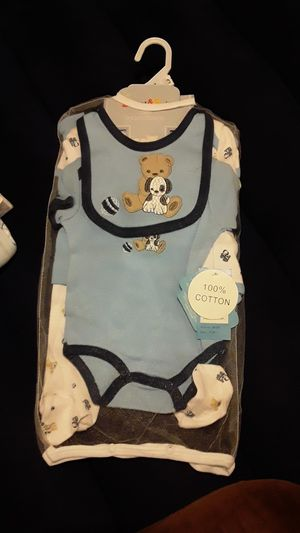 0 to 3 months baby boy outfit 5 pice set for Sale in Carrollton, TX
