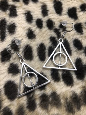 Harry Potter deathly hallows Earrings for Sale in Modesto, CA