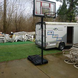 Lifetime Shatter Proof Basketball Hoop for Sale in Everett, WA