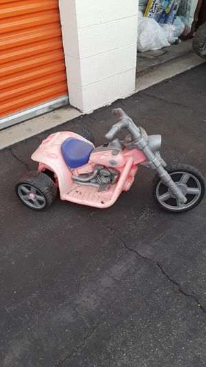 Old Pink Harley Davidson trike. Has strong motor still just needs a 6 volt battery and charger and maybe a bath.. for Sale in Loma Linda, CA