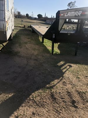 2018 Lamar 40 ft gooseneck trailer for Sale in Hesperia, CA