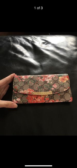 Womens bi fold designer wallet for Sale in Culver City, CA