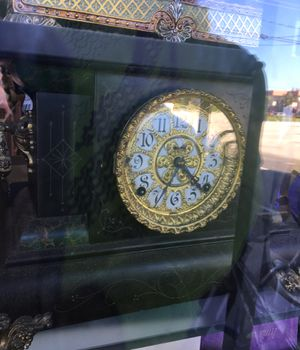 Antique clock for Sale in North Palm Beach, FL