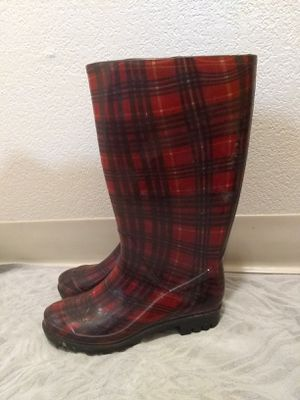 Woman rain boots size 6 for Sale in Madera, CA