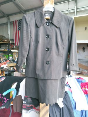 Spago's skirt suit size 6 for Sale in GOODLETTSVLLE, TN