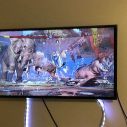 32 Inch Samsung tv with remote controller for Sale in Marietta,  GA
