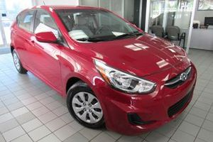 15 accent hatchback extra clean must see!! for Sale in Chicago, IL