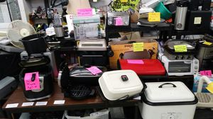 KITCHEN APPLIANCES FOR SALE PICK 2 FOR $25 for Sale in University City, MO