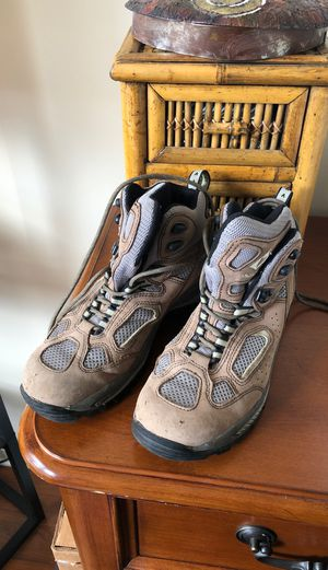 Vasque Women's hiking boots -size 10 for Sale in Fairfax, VA