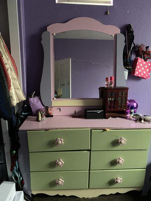 Twin bed, dresser, night stand for Sale in Fairfield, CA