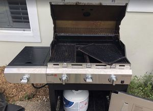 CharBroil Gas Grill for Sale in Pompano Beach, FL
