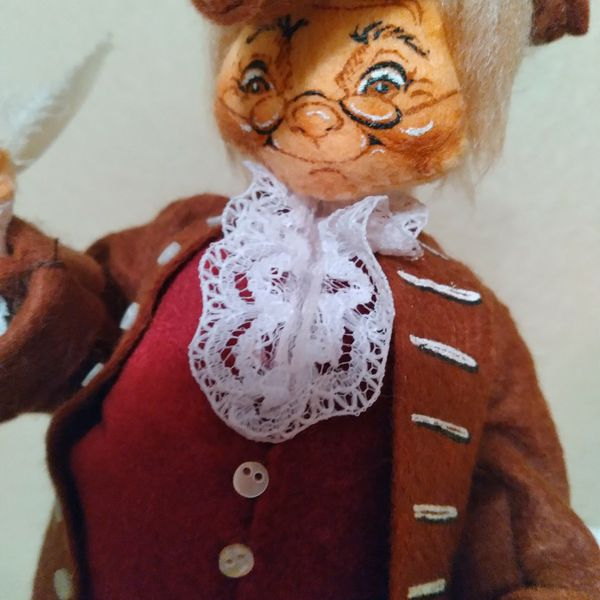 Annalee 1987 Ben Franklin Doll With Base And Glass Dome