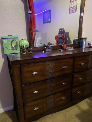 Dresser for Sale in Marshall, TX