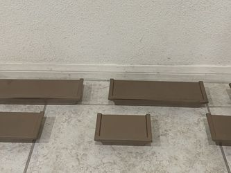 Beautiful wonderful wood floating wall shelves & wire shelf & toilet paper holder!😇💕🙏🏽🥰🎀💝🤗 for Sale in Altadena,  CA