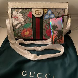 🌺 NEW GUCCI Ophidia Flora Shoulder Bag 🌸 for Sale in Irwin, PA