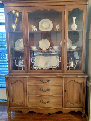 Antique china cabinet for Sale in Long Beach, CA