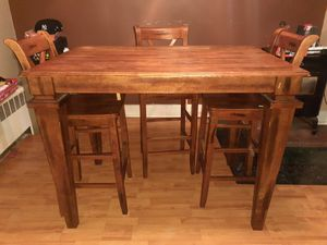 Dining room table for Sale in Allentown, PA