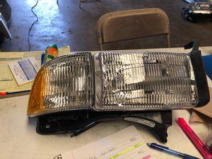Dodge Ram - Passenger Headlight - 1994 1995 1996 1997 1998 1999 2000 2001 for Sale in Dallas, TX