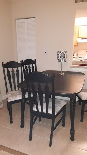 Kitchen table with 4 chairs for Sale in Clearwater, FL