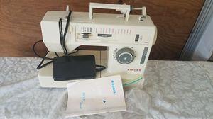 Singer merritt 2112 sewing machine for Sale in Ocala, FL