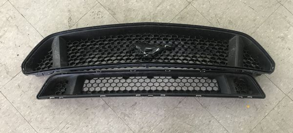 2015 - 2017 Ford Mustang Grille(s)