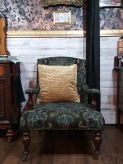 Antique Chair for Sale in Fort Worth,  TX