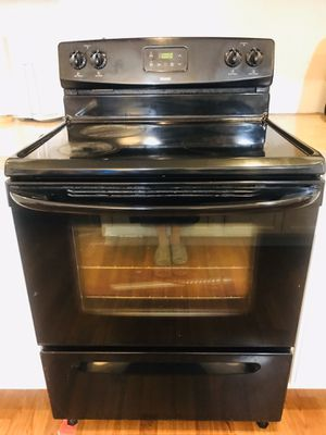 Electric stove and microwave for Sale in Federal Way, WA