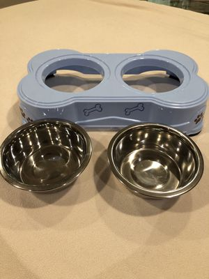 Dog food and water bowls and placement for Sale in Los Angeles, CA