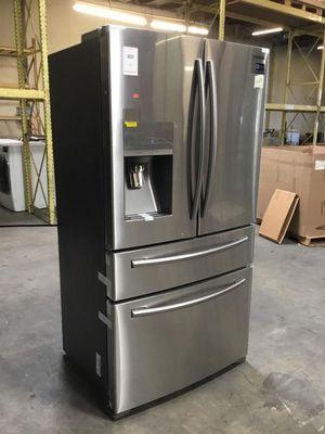 Samsung RF24FSEDBSR French Door Refrigerator for Sale in Hayward, CA