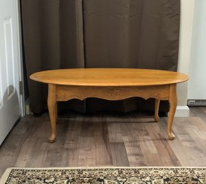 Beautiful Solid Oak Coffee Table for Sale in Auburn, WA