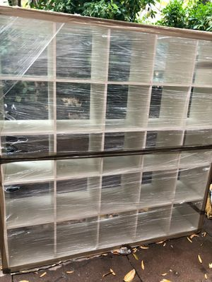 SHELVING UNIT FITS 100 PAIRS OF SNEAKERS/SHOES for Sale in New York, NY