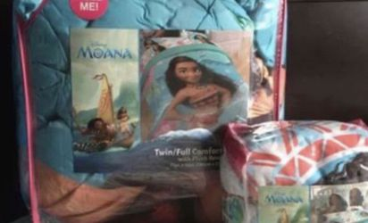 MOANA BEDDING SET 6 Items for Sale in Tacoma,  WA