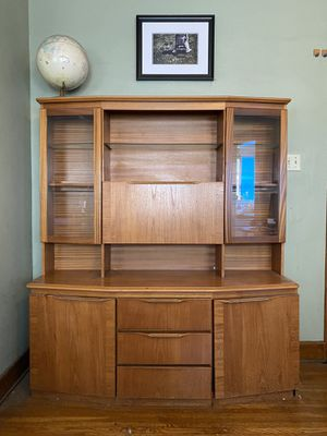 Mid Century China cabinet with lighted display Shelves for Sale in Long Beach, CA