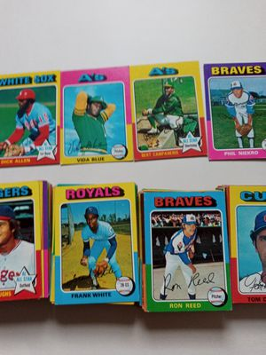 150, 1975 topps baseball cards some doubles for Sale in Fullerton, CA