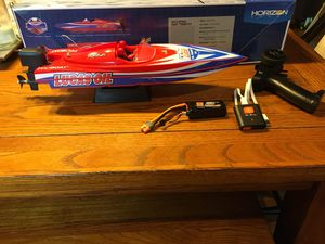 Lucas oil pro boat 17 for Sale in Hedgesville, WV