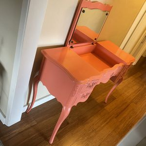 Vanity Desk, Pink, Medium for Sale in San Diego, CA