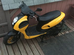 150cc moped . 2008 less than 1400 miles total for Sale in Mandan, ND
