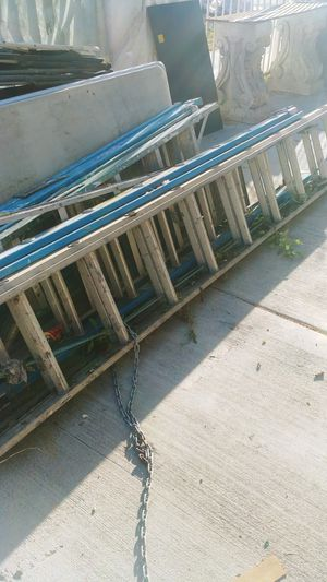 Extention Luminiun ladder 24' for Sale in Los Angeles, CA