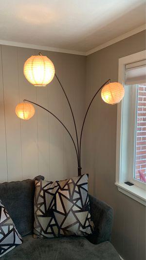 Floor lamp for Sale in Lakewood, WA