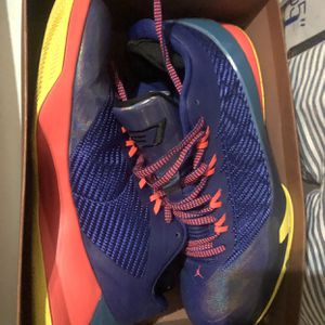 Basketball Shoes Very New Original $100 for Sale in Weston, FL