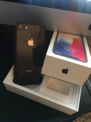 IPhone 8 64gb AT&T like new !! for Sale in Los Angeles, CA