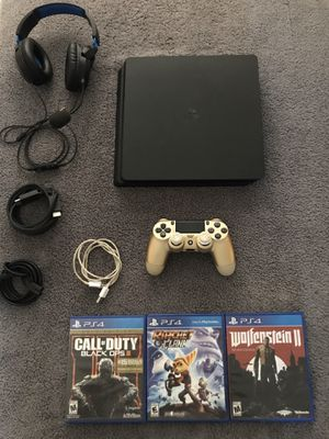 PS4 slim (like new) for Sale in Los Angeles, CA