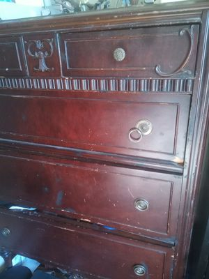 Antique wood dresser for Sale in North Las Vegas, NV