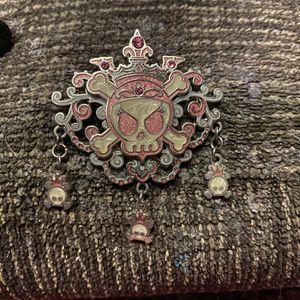 Disney Pirates of the Caribbean Skull Princess Pin for Sale in Everett, WA